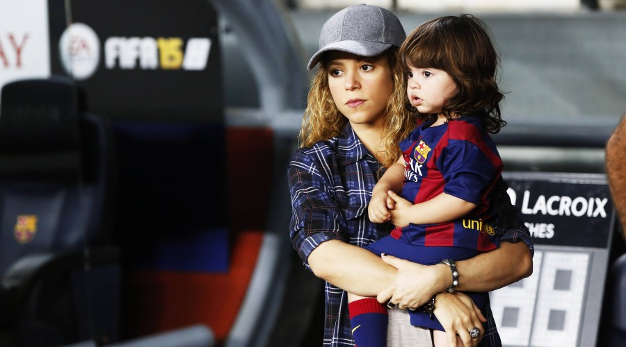 Shakira with son Milan , OCTOBER 18, 2014 - Football / Soccer : Spanish Primera Division Liga BBVA match between FC Barcelona 3-0 SD Eibar at Camp Nou stadium in Barcelona, Spain. NOxTHIRDxPARTYxSALES. PUBLICATIONxINxGERxSUIxAUTxHUNxPOLxRUSxSWExFRAxNEDxESPxONLY (oqma014345)
