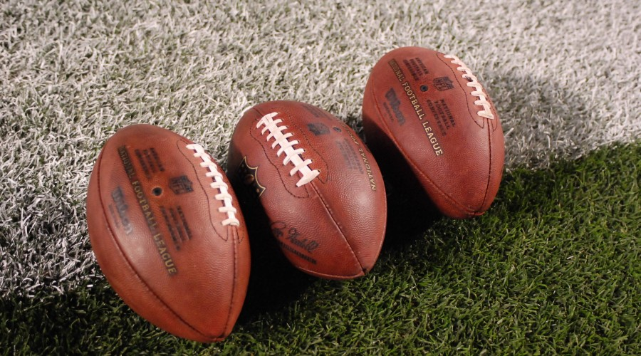 Oct 20th, 2014: NFL footballs during the Pittsburgh Steelers vs Houston Texans game in Pittsburgh, PA. NFL American Football Herren USA 2014:  PUBLICATIONxINxGERxSUIxAUTxONLY - ZUMAcp5_