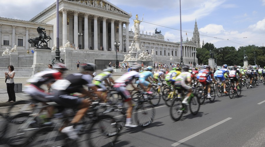 VIENNA,AUSTRIA,13.JUL.14 - CYCLING - 66th International Tour of Austria, Oesterreich Rundfahrt, stage 8, Podersdorf am See - Vienna. Image shows the peloton. Photo: GEPA pictures/ Martin Hoermandinger
