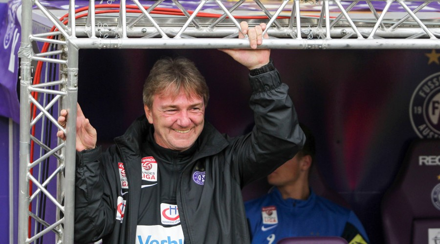 VIENNA,AUSTRIA,02.MAY.15 - SOCCER -  tipico Bundesliga, FK Austria Wien vs SC Wiener Neustadt. Image shows head coach Andreas Ogris (A.Wien). Photo: GEPA pictures/ Philipp Brem