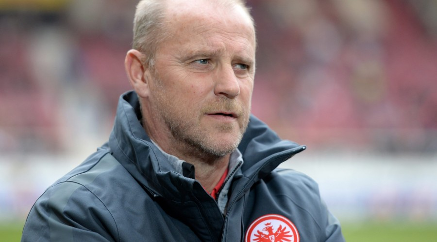 STUTTGART,GERMANY,21.MAR.15 - SOCCER - 1. DFL, 1. Deutsche Bundesliga, VfB Stuttgart vs Eintracht Frankfurt. Image shows head coach Thomas Schaaf (Frankfurt). Photo: GEPA pictures/ Witters/ Deniz Calagan - ATTENTION - COPYRIGHT FOR AUSTRIAN CLIENTS ONLY