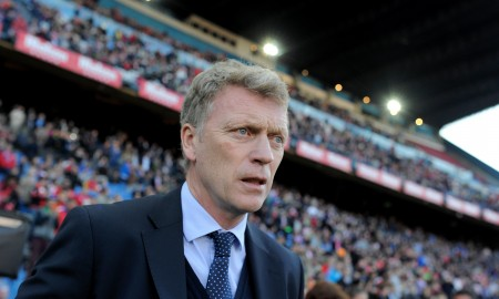 MADRID, SPAIN - APRIL 07:  Head coach David Moyes of Real Sociedad looks on during the La Liga match between Club Atletico de Madrid and Real Sociedad at Vicente Calderon Stadium on April 7, 2015 in Madrid, Spain.  (Photo by Denis Doyle/Getty Images)