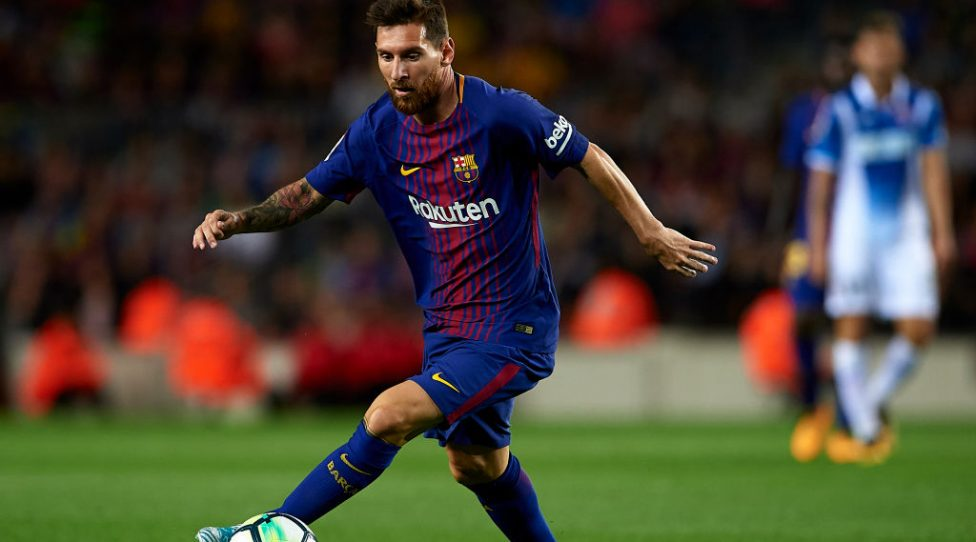 BARCELONA, SPAIN - SEPTEMBER 09:  Lionel Messi of Barcelona in action during the La Liga match between Barcelona and Espanyol at Camp Nou on September 9, 2017 in Barcelona, Spain.  (Photo by Manuel Queimadelos Alonso/Getty Images)