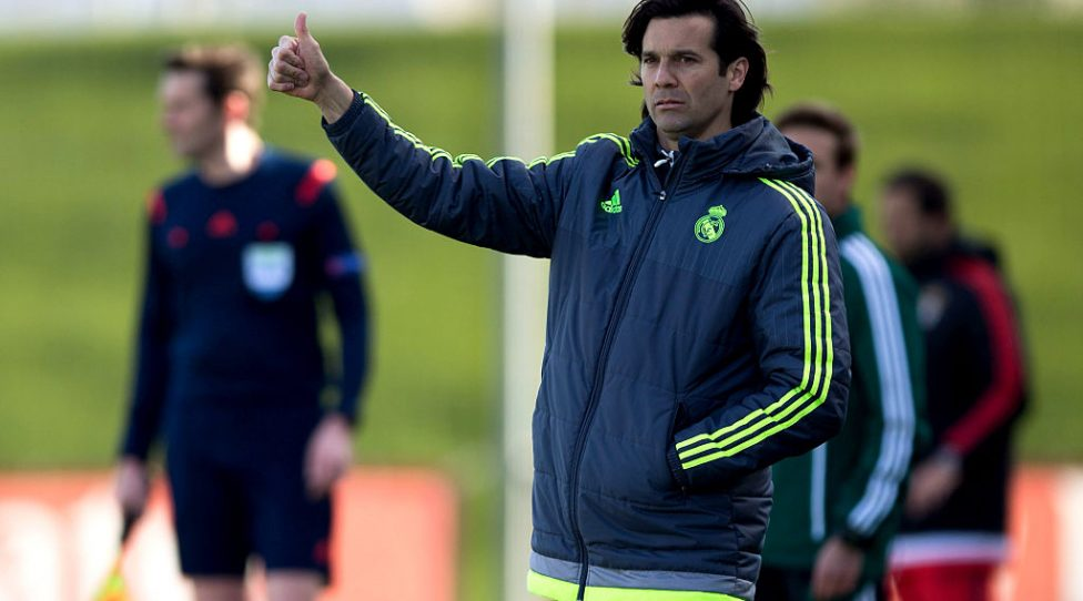 MADRID, SPAIN - MARCH 08: Head coach Santiago Solari of Real Madrid CF gives the ok to his team during the UEFA Youth League Quarter Finals match between  Real Madrid CF and SL Benfica at Estadio Alfredo Di Stefano on March 8, 2016 in Madrid, Spain.  (Photo by Gonzalo Arroyo Moreno/Getty Images)