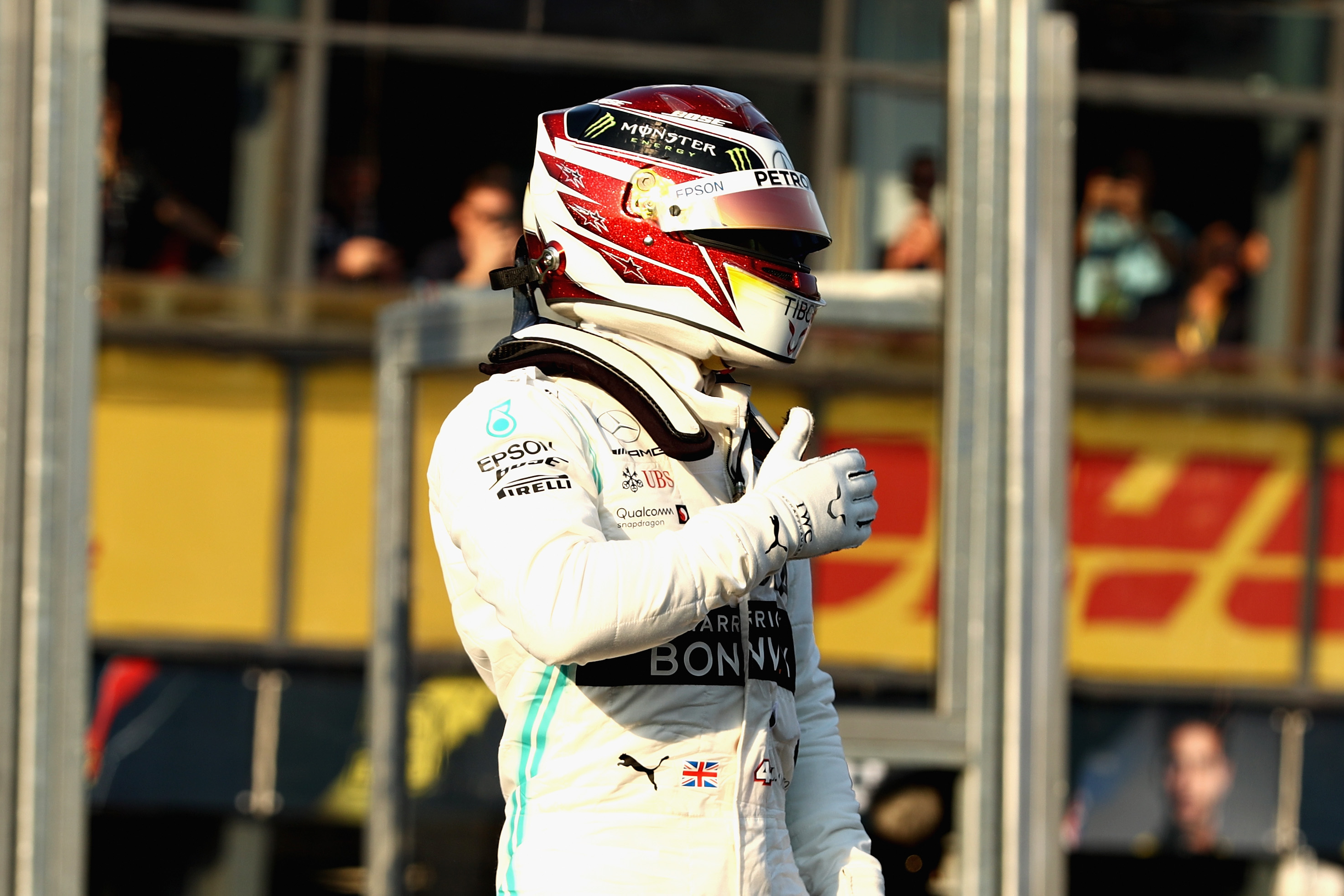 Hamilton erobert Pole Position in Melbourne