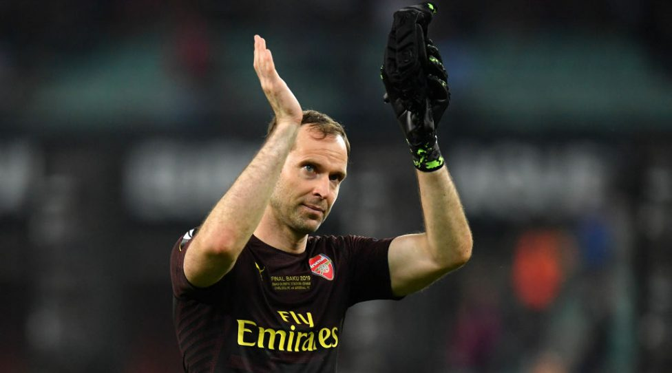 BAKU, AZERBAIJAN - MAY 29: Petr Cech of Arsenal acknowledges the fans after the UEFA Europa League Final between Chelsea and Arsenal at Baku Olimpiya Stadionu on May 29, 2019 in Baku, Azerbaijan. (Photo by Dan Mullan/Getty Images)