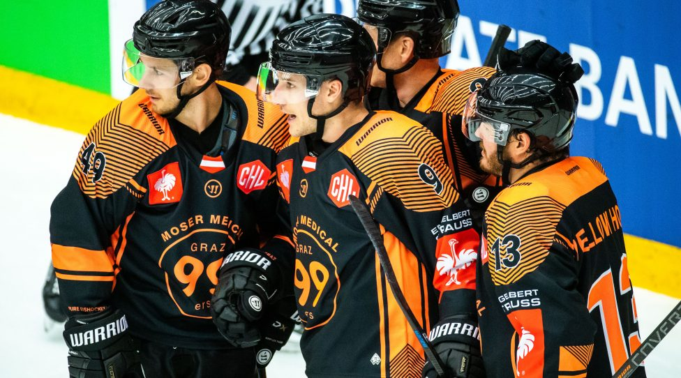 GOTHENBURG,SWEDEN,30.AUG.19 - ICE HOCKEY - CHL, Champions Hockey League, group stage, Froelunda HC vs Graz 99ers Image shows the rejoicing of 99ers with Sebastian Collberg, Matthew Garbowsky and Colton Yellow Horn (99ers)(99ers). Photo: GEPA pictures/ Bildbyran/ Michael Erichsen - ATTENTION - COPYRIGHT FOR AUSTRIAN CLIENTS ONLY