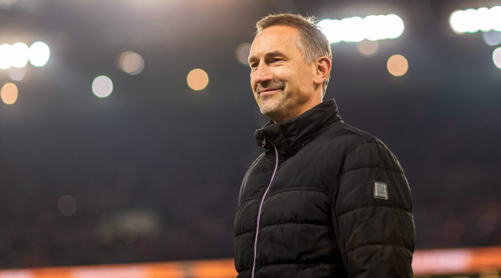 COLOGNE, GERMANY - NOVEMBER 08: head coach Achim Beierlorzer of 1. FC Koeln looks on during the Bundesliga match between 1. FC Koeln and TSG 1899 Hoffenheim at RheinEnergieStadion on November 8, 2019 in Cologne, Germany. (Photo by TF-Images/Getty Images)