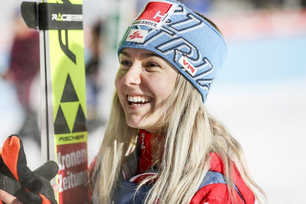 Skispringen: Erster Weltcup-Sieg für Österreicherin - Sky Sport Austria Wintersport News: Infos und Videos auf einen Blick | Sky Sport Austria