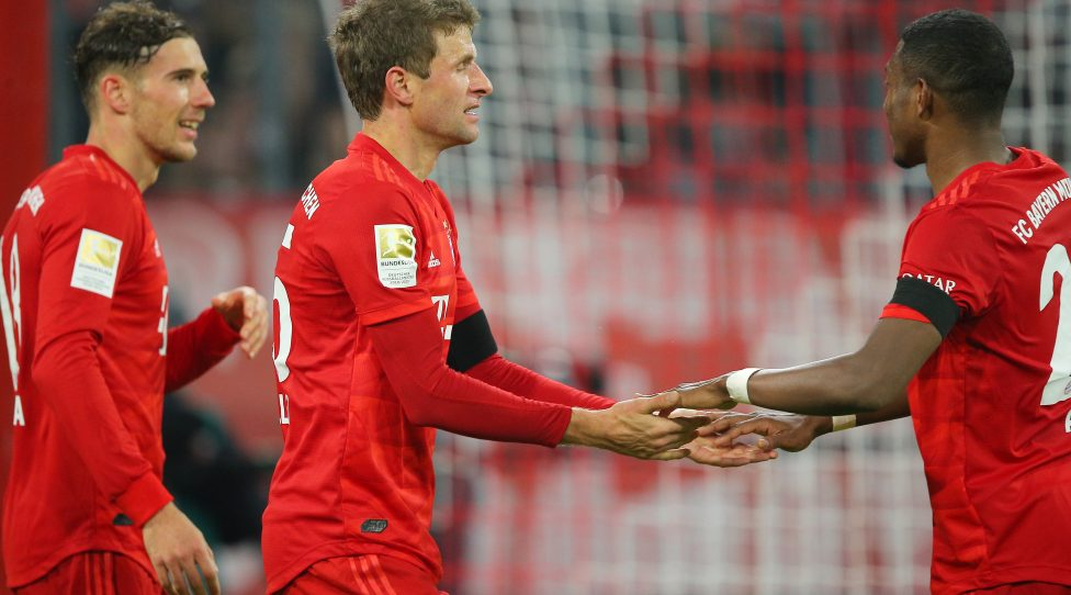 MUNICH,GERMANY,25.JAN.20 - SOCCER - 1. DFL, 1. Deutsche Bundesliga, FC Bayern Muenchen vs FC Schalke 04. Image shows the rejoicing of Leon Goretzka, Thomas Mueller and David Alaba (Bayern). Photo: GEPA pictures/ Thomas Bachun - DFL regulations prohibit any use of photographs as image sequences and/or quasi-video.