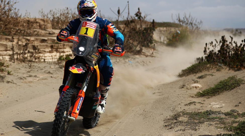 SAN JUAN DE MARCONA, PERU - JANUARY 09:  KTM Factory Racing Team No. 1 Motorbike ridden by Matthias Walkner of Austria competes in the near the beach during Stage Three of the 2019 Dakar Rally between San Juan de Marcona and Arequipa on January 7, 2019 in near San Juan de Marcona, Peru.  (Photo by Dean Mouhtaropoulos/Getty Images)