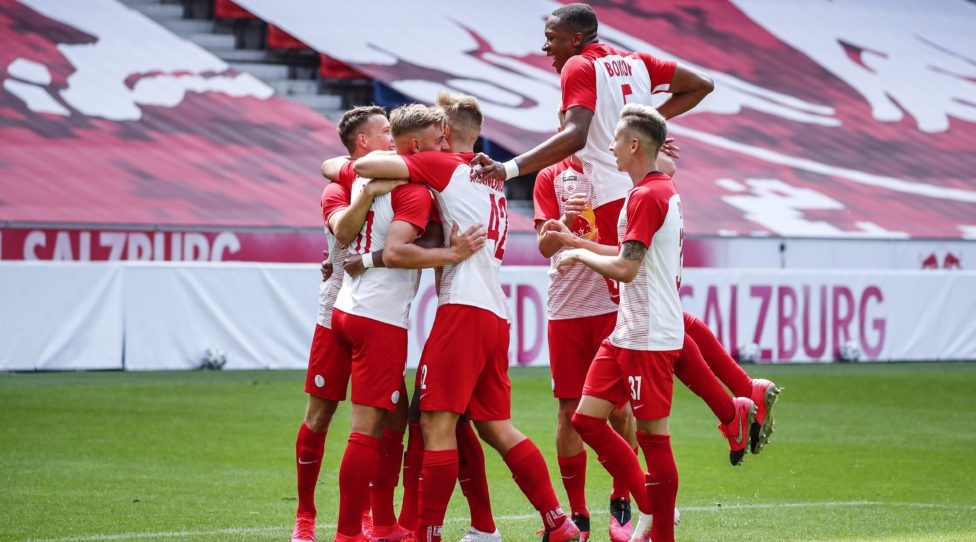 SALZBURG,AUSTRIA,19.JUL.20 - SOCCER - HPYBET 2. Liga, FC Liefering vs GAK 1902. Image shows the rejoicing of Liefering. Photo: GEPA pictures/ Jasmin Walter