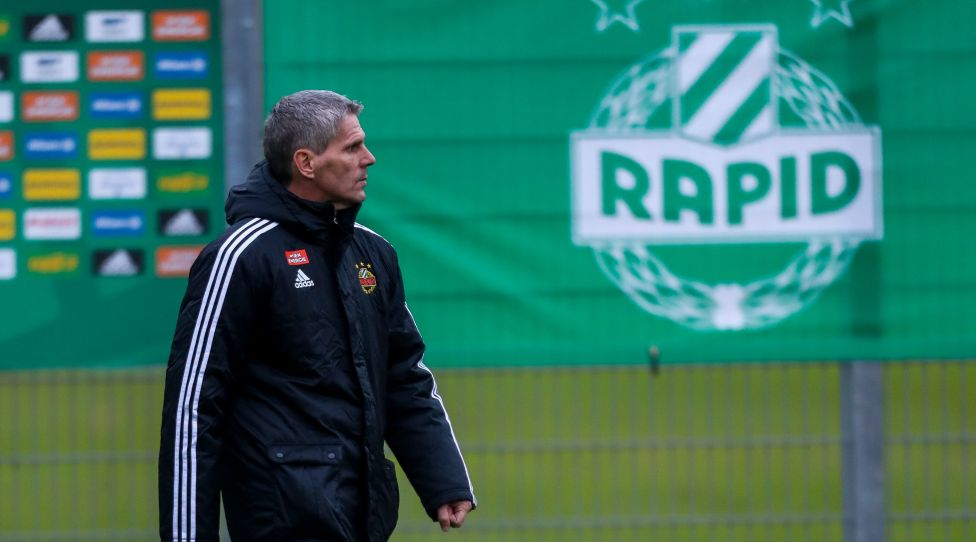 VIENNA,AUSTRIA,09.DEC.20 - SOCCER - UEFA Europa League, group stage, SK Rapid Wien vs Molde FK, preview, training Rapid. Image shows head coach Dietmar Kuehbauer (Rapid). Photo: GEPA pictures/ Philipp Brem