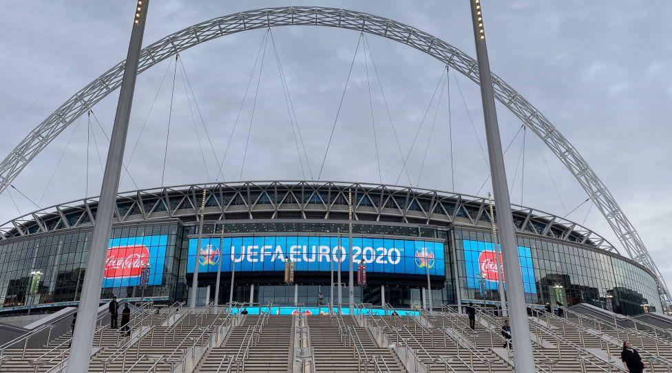 Aussenaufnahme Wembley Stadion,Uebersicht,Stadionuebersicht. Achtelfinale, Spiel M44, England ENG - Deutschland GER 2-0 am 29.06.2021 in London / Wembley Stadion. Fussball EM 2020 vom 11.06.2021-11.07.2021. *** Exterior shot Wembley Stadium,Overview,Stadium overview Round of 16, Match M44, England ENG Germany GER 2 0 on 29 06 2021 in London Wembley Stadium Football EM 2020 from 11 06 2021 11 07 2021