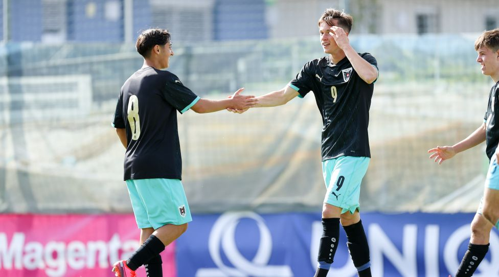 HART,AUSTRIA,08.OCT.20 - SOCCER - OEFB Under-17 international match, Austria vs Slovenia, friendly match. Image shows the rejoicing of Rocco Vicol and Luka Reischl (AUT). Photo: GEPA pictures/ Christian Walgram